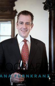 Maximilian Habsburg-Lothringen im Porträt für seine exklusive Wein-Website MHL.